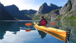 kayak and hike lofoten exploranor